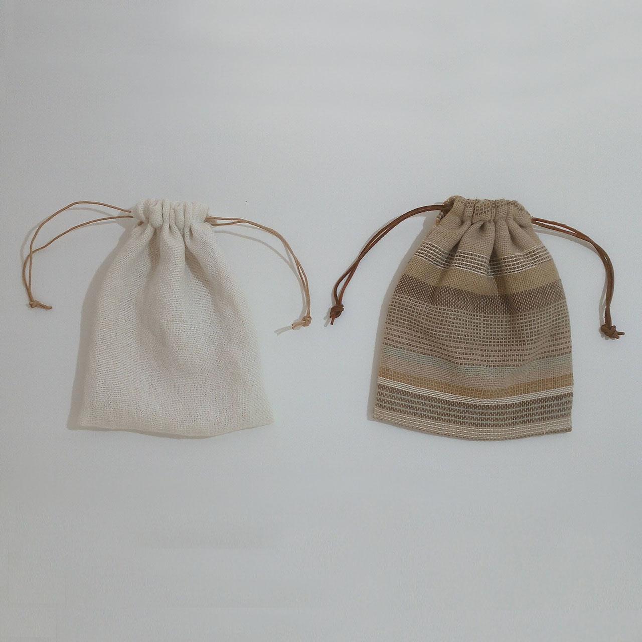 手織りの巾着袋