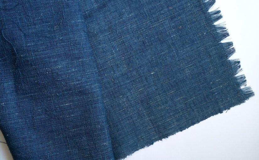 藍染め布のポーチづくりまずは経糸の準備。